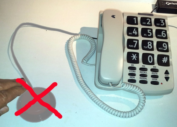 Telstra SP817 Big Button Phone, with backup power from Technical