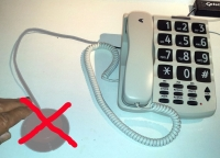 Telstra SP817 Big Button Phone, with backup power